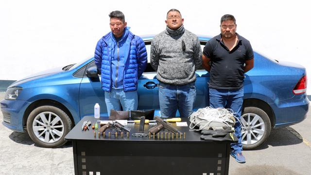 Policía Estatal, operativo, Fortaleza Puebla, SSP, Periférico, Coronango, San Francisco Ocotlán, armas de fuego, detenidos, Santa Margarita, robo de vehículos, FGE, Ministerio Público, investigaciones