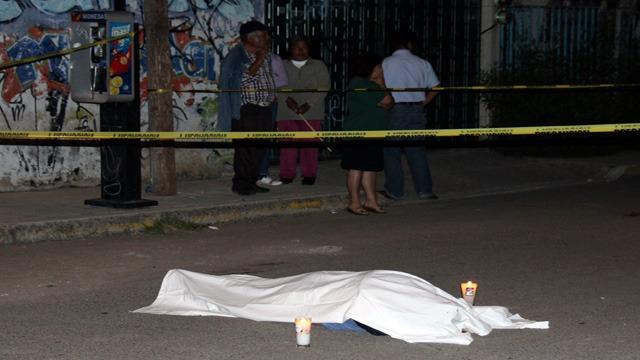 Muerto, Asesinado, Colonia, Tres Cruces, SUMA, Policía Municipal, Piedra, Cabeza