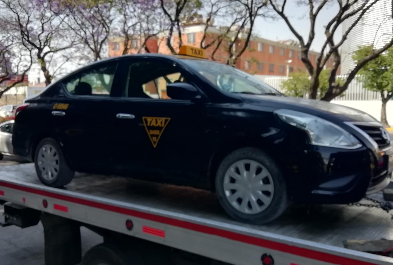 Taxi, asalto, gasolinería, Puebla, San Isidro Castillotla, recorridos, policía, Fiscalía General del Estado, unidad, combustible, mano armada, cámaras de seguridad, atraco, placas