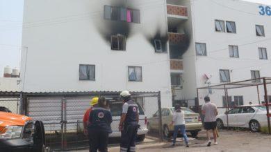Incendio, departamento, Unidad habitacional, La Margarita, veladora, Protección Civil, Bomberos, vecinos, pérdidas materiales, siniestro