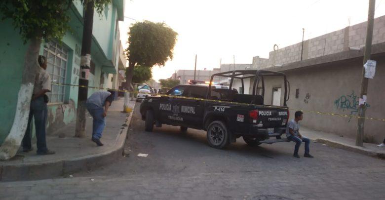 Ejecutado, Colonia 16 de marzo, Tehuacán, Fiscalía General del Estado, Levantamiento de cadáver, Calle Adolfo Ruiz Cortines, Calle 10 Sur, Motocicleta, pparamédicos, móvil del crimen, desconocido