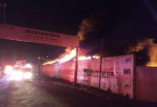 incendio,recicladora, daños materiales, no lesionados, Bomberos, Puebla, San Andrés Cholula, San Pedro Cholula, San Bernardino Chalchihuapan, remoción de escombros