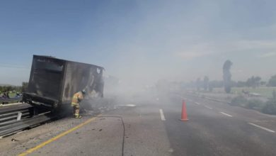 tractocamión de carga, calcinado, Puebla-Orizaba, neumáticos, incendiarse, operador, Policía Federal, Bomberos, llamas, Tecamachalco, lesionados