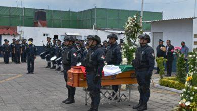 homenaje, Policía Municipal de Puebla, asesinado a disparos, San José los Cerritos, familiares, SSPTM, María de Lourdes Rosales, Tránsito Municipal, arma de fuego