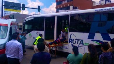 Conductora, tercera edad, RUTA, camioneta Jepp, Plaza Dorada, paramédicos, SUMA, hospital, Tránsito Municipal, twitter
