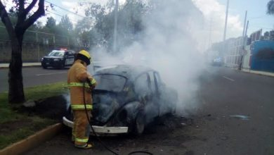bocho, incendio, quemado, Protección Civil Municipal, Bomberos, Maravillas, Avenida 18 de Noviembre, 911, estadios