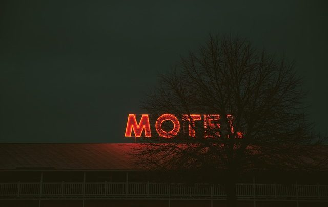 Intoxicados, motel, San Pedro Cholula, el bulevar Forjadores, automóvil Peugeot, renta