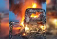 Autobús, línea SUR, calcinado, llamas, falla mecánica, motor, Bomberos, Tepeaca, Policía Federal, Autopista Puebla-Orizaba,