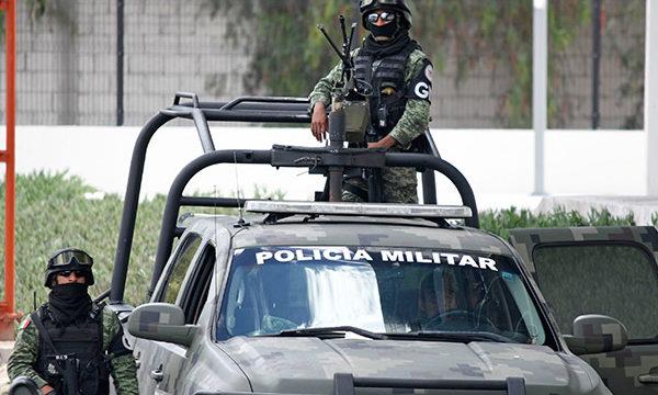 ex militares, Fiscalía General del Estado, Lomas de Angelópolis, dinero en efectivo, Sedena, armas de fuego, dinero en efectivo, documentos bancarios