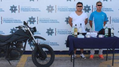pollerías, Central de Abasto, Oxxo, licor, cigarros, robados, motocicleta, Ministerio Público, Gerardo N, Álvaro N, Policía Municipal