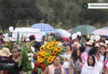 Enterrado, canal de Xochimilco, José Manuel Romero Reyes, Santa María Nenetzintla, parroquia, homilía, música de mariachi, coronas, globos blancos, trajinera,