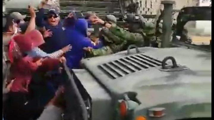 Apango, SEDENA, piedras palos, Acajete, mercancía ilícita, vehículos robados, SSP, Ejército Mexicano, arma de fuego, detonaciones, operativo