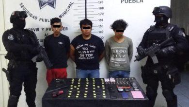detenidos, Forjadores, envoltorios, cristal, Policía Municipal, San Pedro Cholula, Chevrolet, intento, fuga