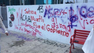 Estudiantes poblanos, marcha, 2 de Octubre, FGE, bulevar 5 de Mayo, RUTA, bardas afectadas, limpiar, pintar