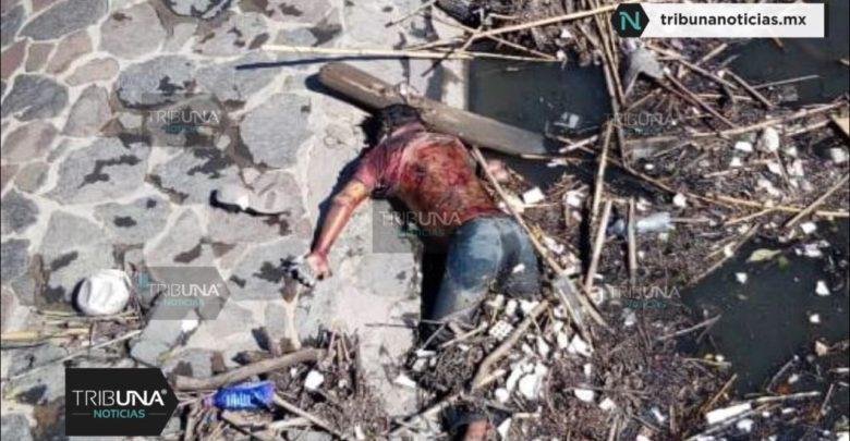Cadáver, descomposición, río Atoyac, Las Carmelitas, Protección Civil Municipal, bomberos, FGE, árboles, cadáver, hombre flotando