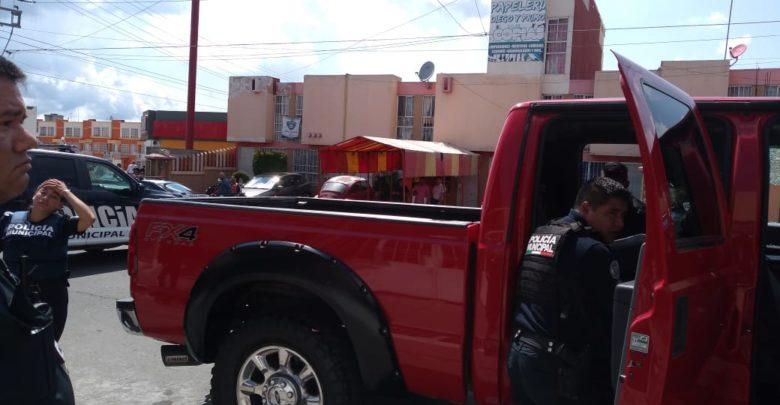 Automovilista, balacera, camioneta, arma de fuego, Renault Clío, brazo izquierdo, Los Héroes, Policía Municipal, Agencia Estatal de Investigación