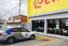 tienda Elektra, robo, celulares, arma de fuego, San Isidro Castillotla, vitrinas, atraco, fuga, FGE, empleados,