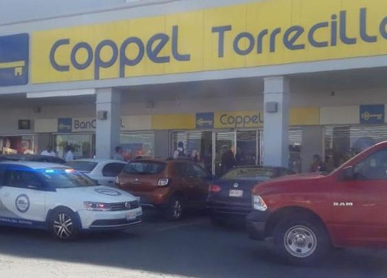 Coppel, Torrecillas, telefonía, joyería, bulevar Las Torres, automóvil, Policía, mochilas, asalto, atraco