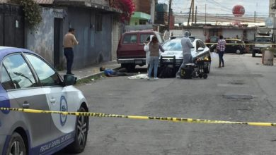 Asesinado, Mercado Hidalgo, rostro, cabeza, occiso, banqueta, Protección Civil Municipal, paramédicos, FGE, La Loma, peritos