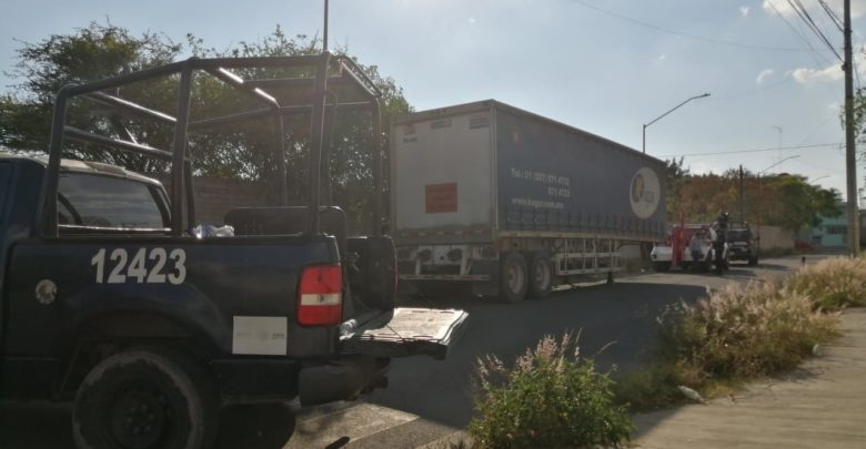 Robo de vehículo, elementos, Policía Municipal, Tehuacán, Policía Federal, FGE, detenidos, armas de fuego, señal GPS, rastreo, Código Rojo, Nota Roja, Puebla, Noticias
