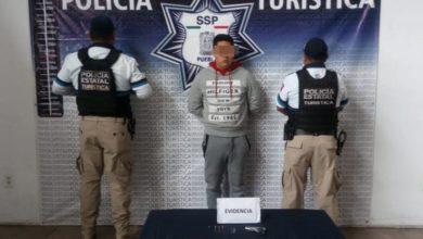 portación ilegal de arma de fuego, Centro Histórico de Puebla, intento de fuga, cartuchos útiles, detenido, puesta a disposición, Código Rojo, Nota Roja, Puebla, Noticias