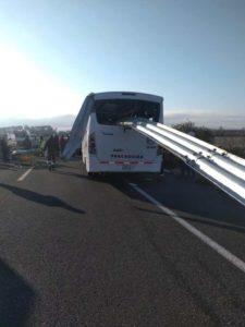 accidente vial, transporte de personal, autobús, pasajeros, lesionados, gravedad, chofer, dormido, autoista Cuacnopalan-Cuapiaxtla, Código Rojo, Nota Roja, Puebla, Noticias