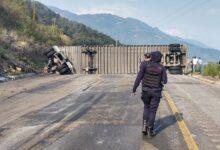 tráiler, volcadura, Autopista Puebla-Orizaba, bloqueo, Guardia Nacional, Código Rojo, Nota Roja, Puebla, noticias