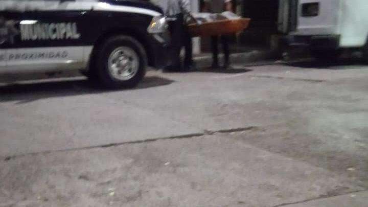 hombre, muerto, vecinos, lote baldío, Junta Auxiliar Ignacio Romero Vargas, FGE, necropsia, Código Rojo, Nota Roja