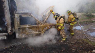 vehículo, incendio, llamas, vecinos fraccionamiento Los Héroes, Protección Civil, Bomberos, Código Rojo