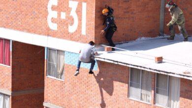 edificio, arrojarse, hombre, desorden mental, fracturas, código rojo