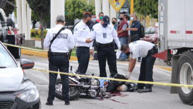 Motociclista, atropellado, muerte, bulevar Hermanos Serdán, pasos peatonales, Schavion Monroy, motocicleta, servicios de emergencia