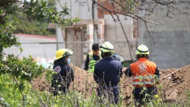 Trabajador, construcción, agua potable, Protección Civil, Policía Municipal, herramientas hidráulicas, rescate, tierra