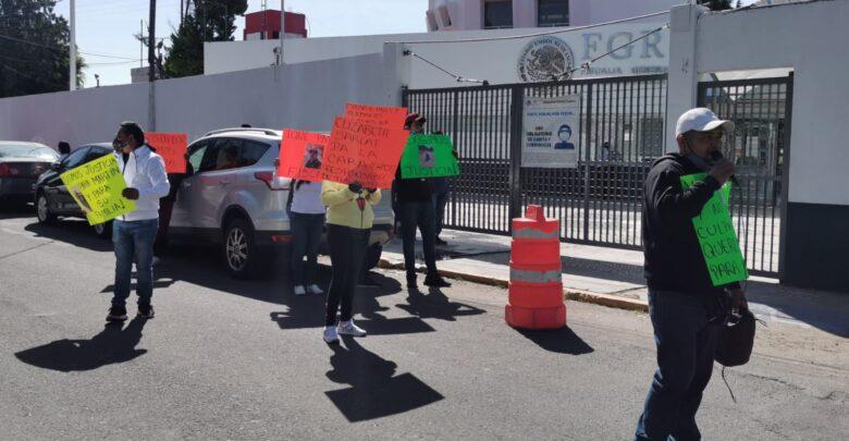 fgr, manifestación, familiares, hija, esposa, abogado, subdelegado, apoyo, código rojo